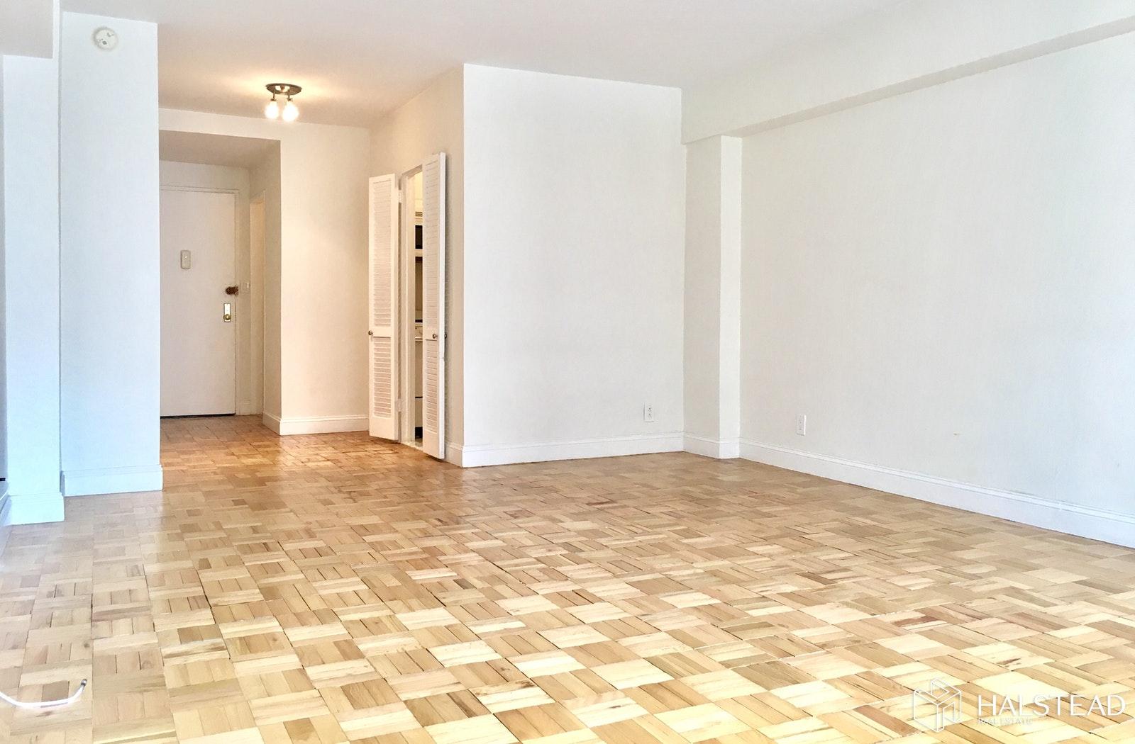 65 WEST 55TH STREET 10J, Midtown West, $2,550, Web #: 19807562