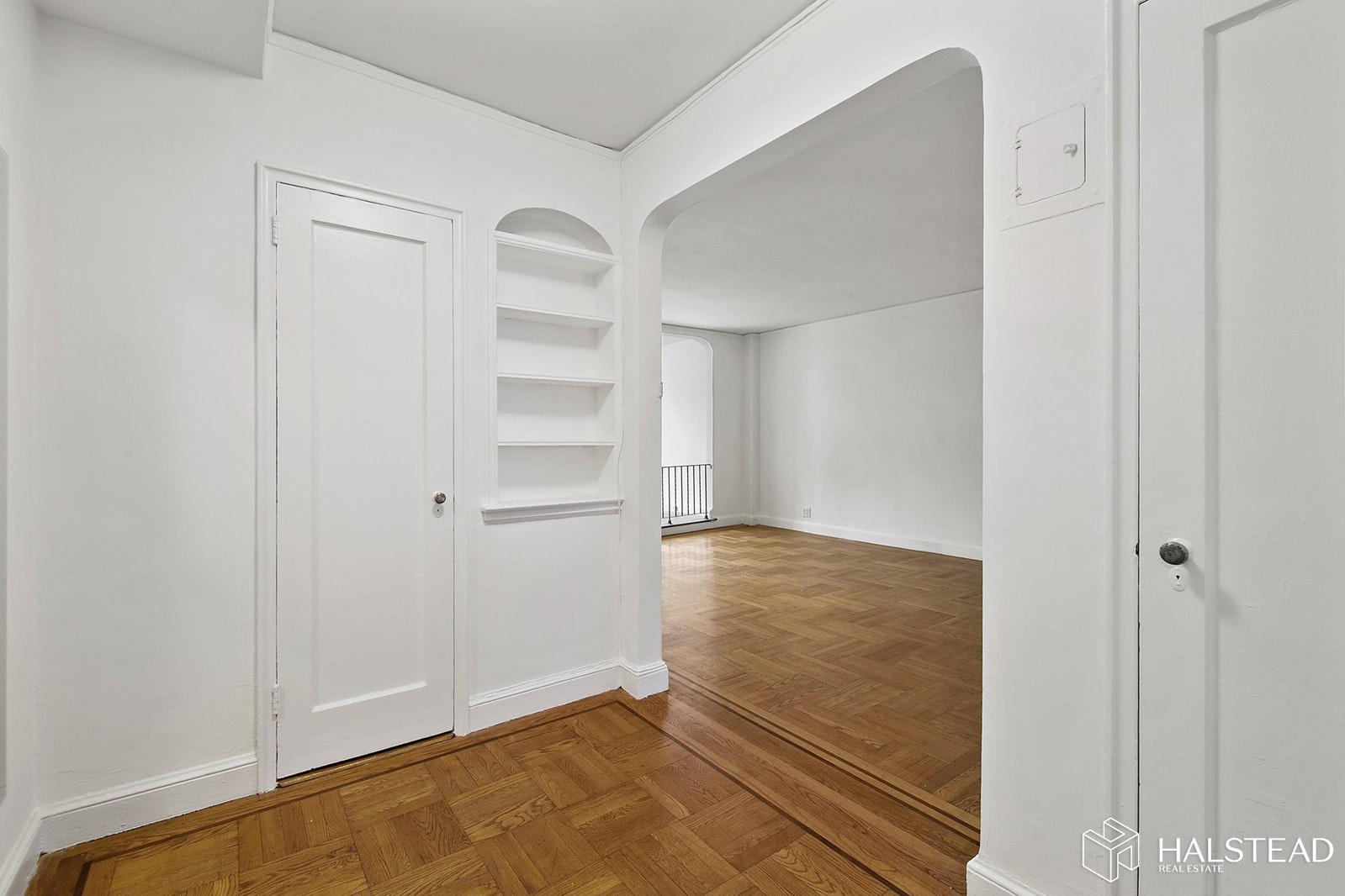 25 MINETTA LANE 5J, Greenwich Village, $3,500, Web #: 19826289