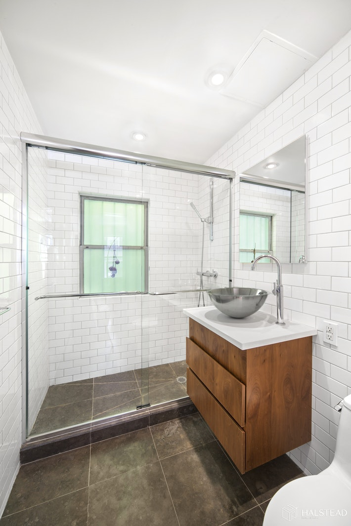 309 WEST 20TH STREET 2R, Chelsea, $1,295,000, Web #: 19841568