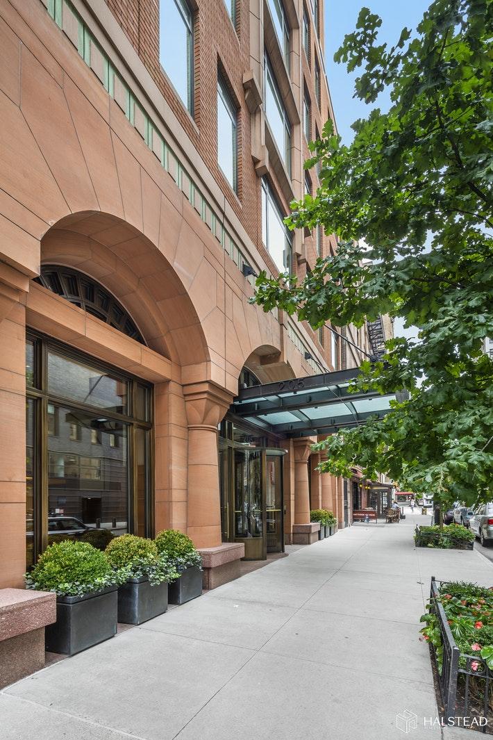 205 WEST 76TH STREET 5L, Upper West Side, $1,975,000, Web #: 19874281