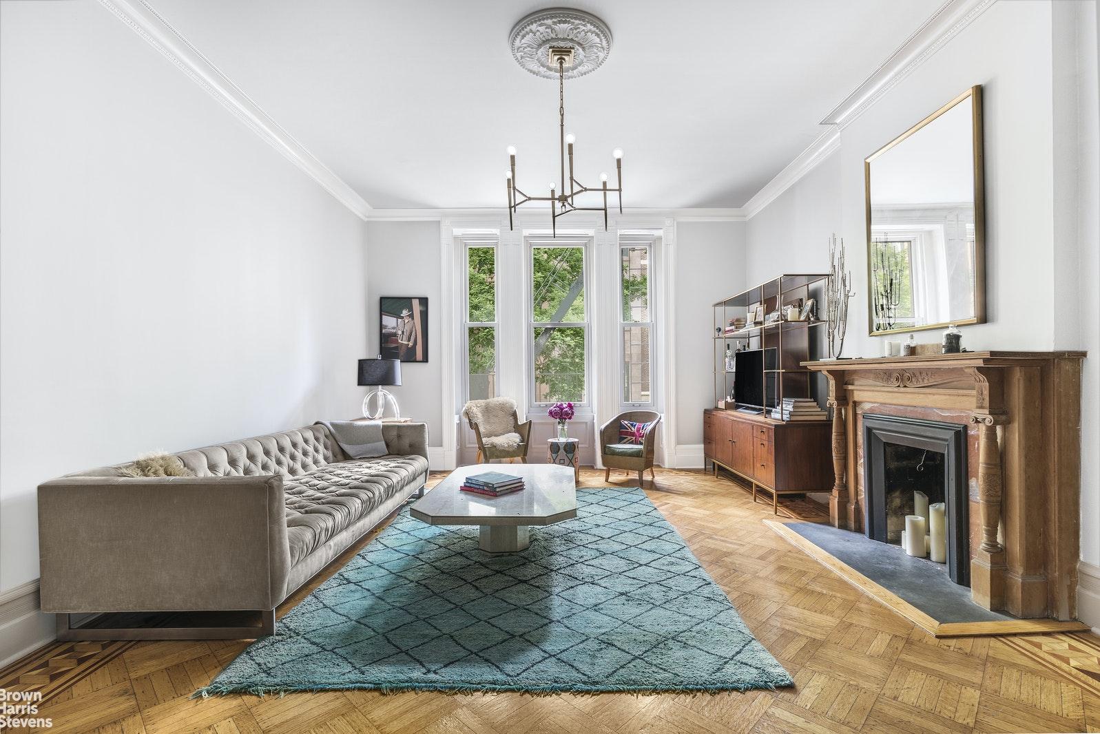 50 WEST 9TH STREET 2A, Greenwich Village, $1,985,000, Web #: 19911517