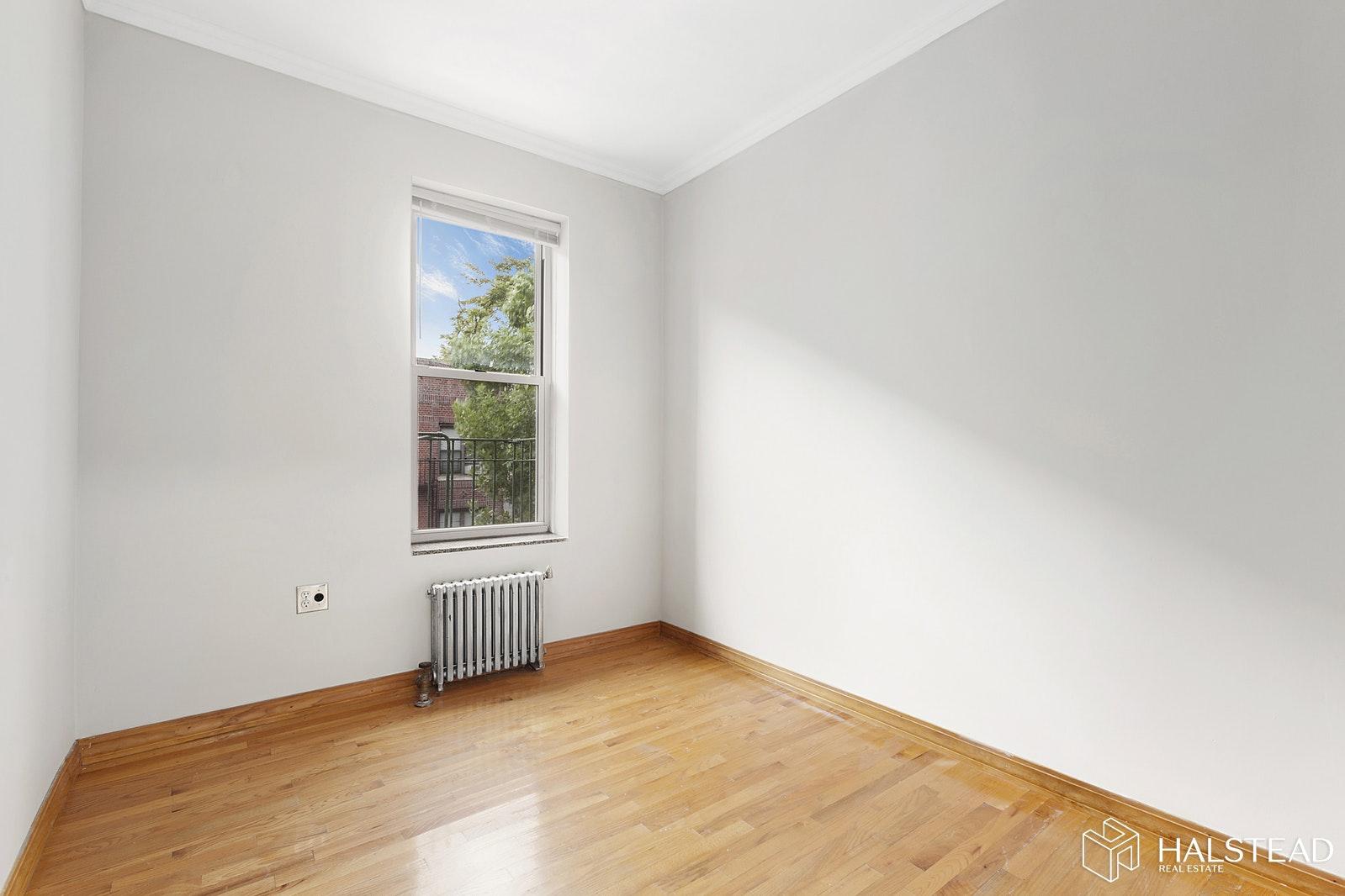 31 -11 35TH STREET 3R, Astoria, $2,300, Web #: 19943413