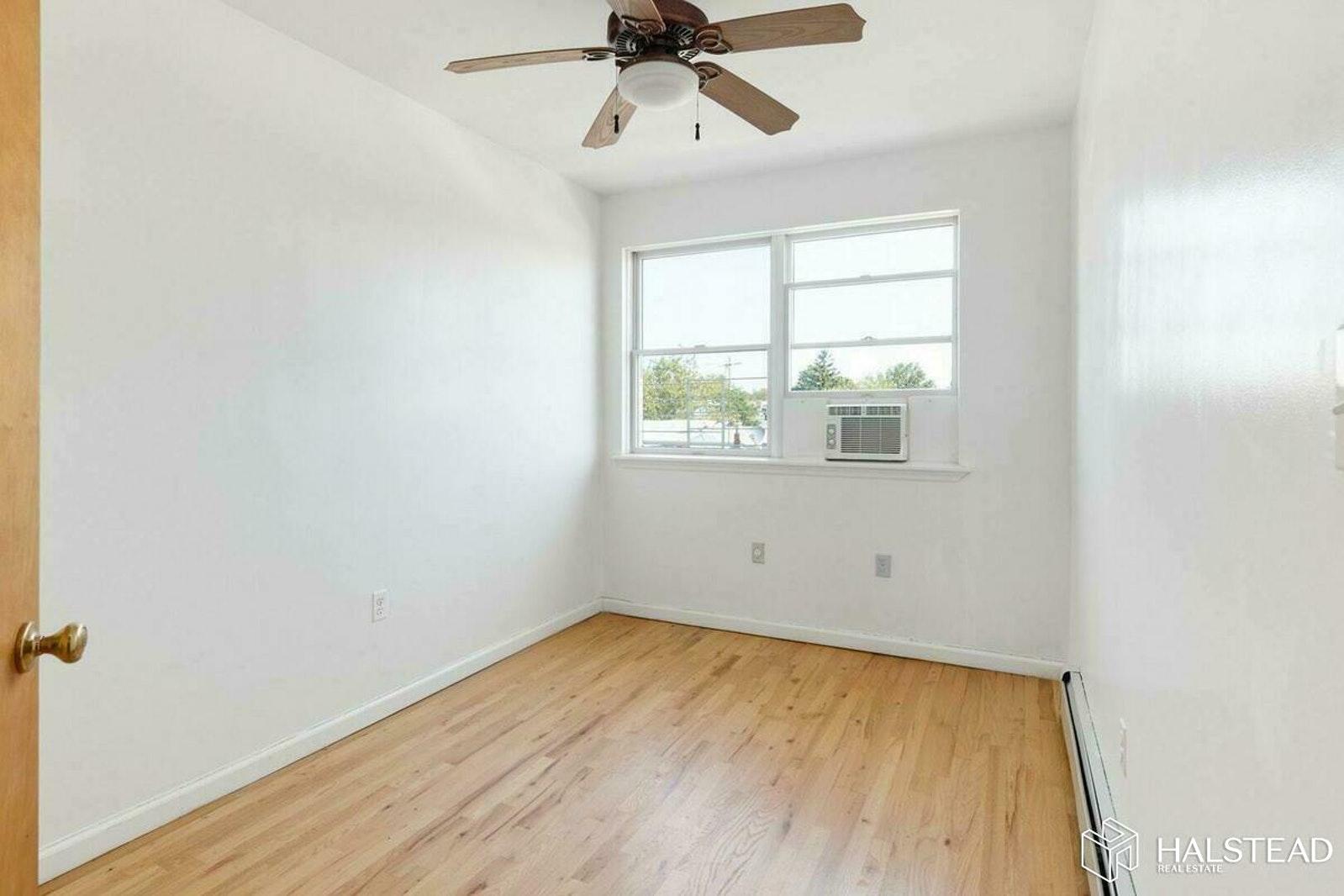 593 17th Street Interior Photo