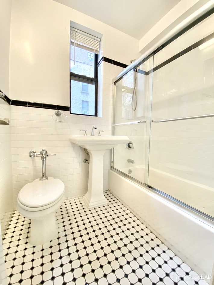 120 EAST 89TH STREET 4J, Upper East Side, $3,500, Web #: 19963811