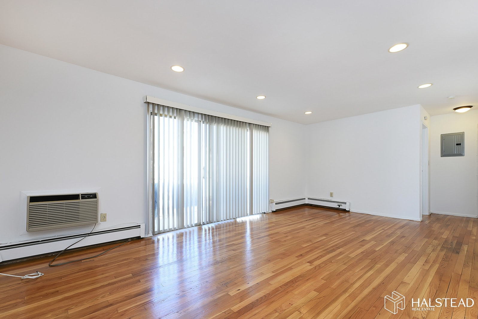 354 HOOVER AVE, Bloomfield, $220,000, Web #: 19964163