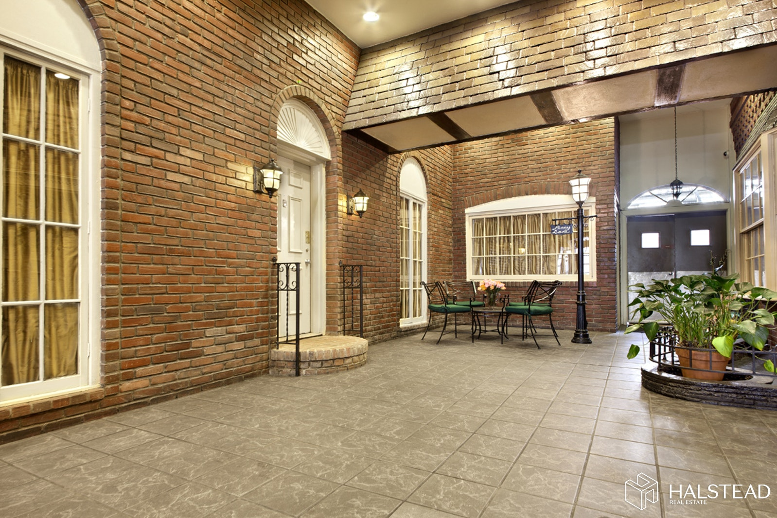 215 EAST 24TH STREET, Gramercy Park, $395,000, Web #: 19971222