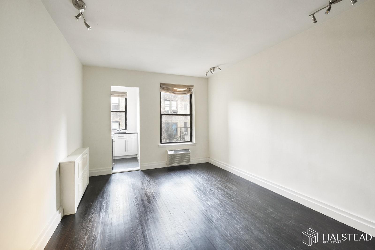 RENOVATED ONE BEDROOM GEM, Upper East Side, $350,000, Web #: 19988840