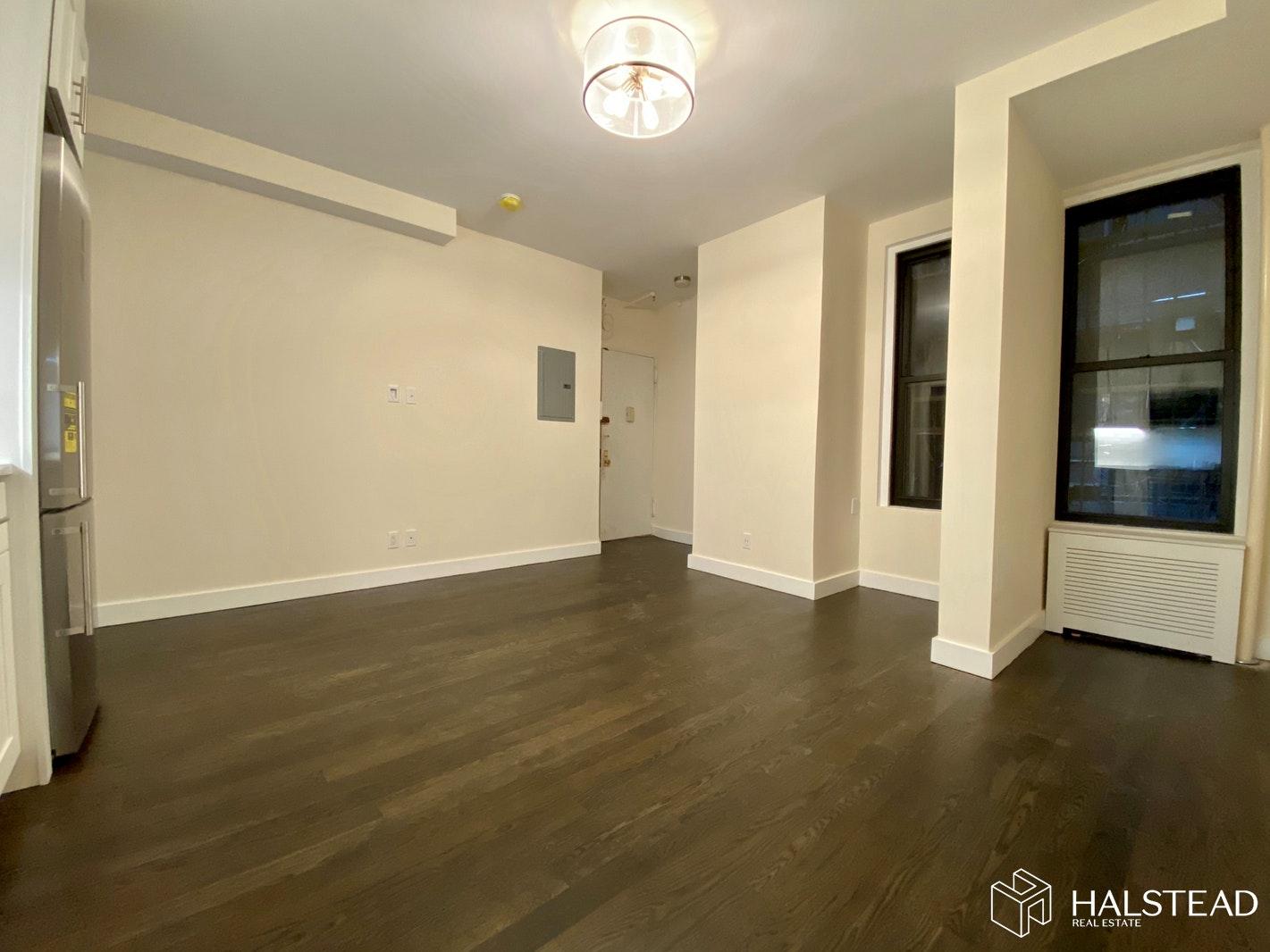 245 WEST 72ND STREET 2B, Upper West Side, $2,900, Web #: 19990008