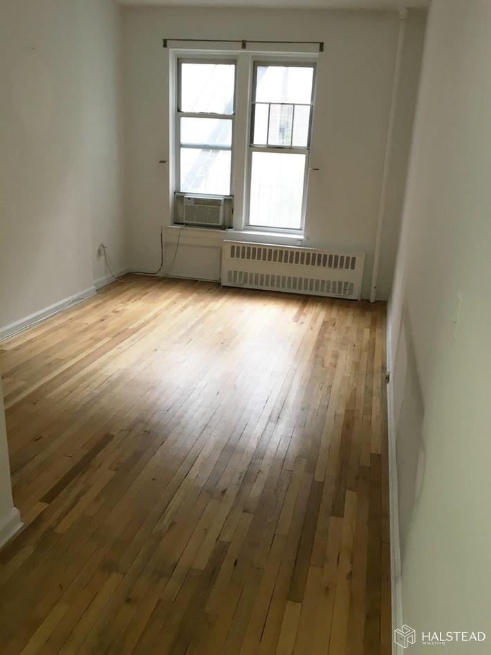 406 WEST 51ST STREET 2B, Midtown West, $2,000, Web #: 19997135