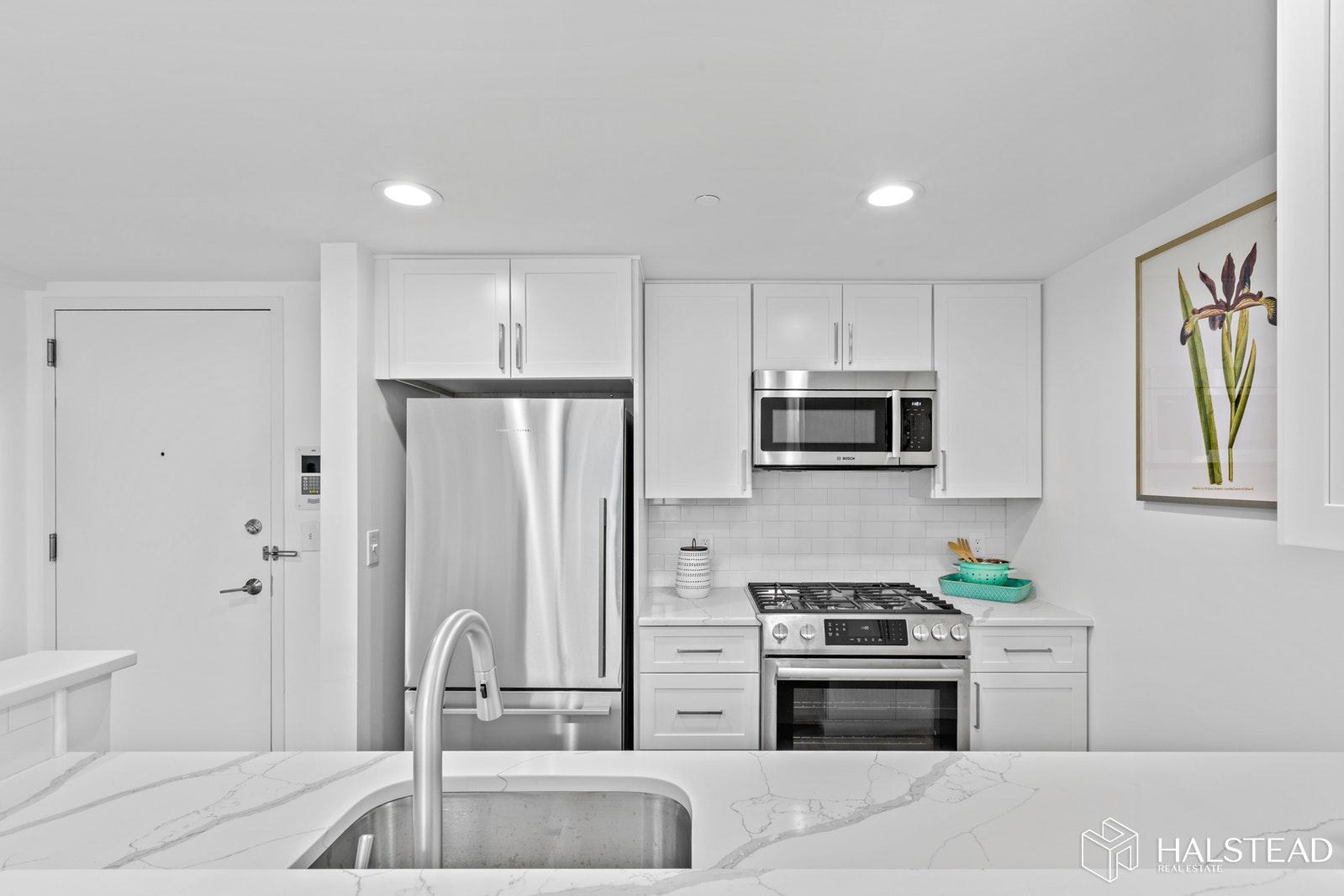 149 ESSEX ST 6N, Jersey City Downtown, $835,000, Web #: 20010086