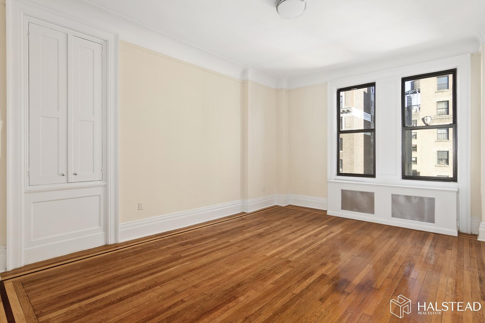 260 WEST 72ND STREET 10A, Upper West Side, $5,950, Web #: 20014412