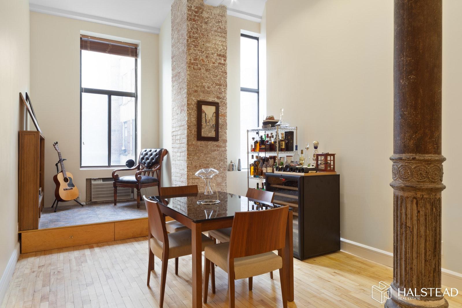 39 EAST 12TH STREET 302, Greenwich Village, $5,950, Web #: 20034738