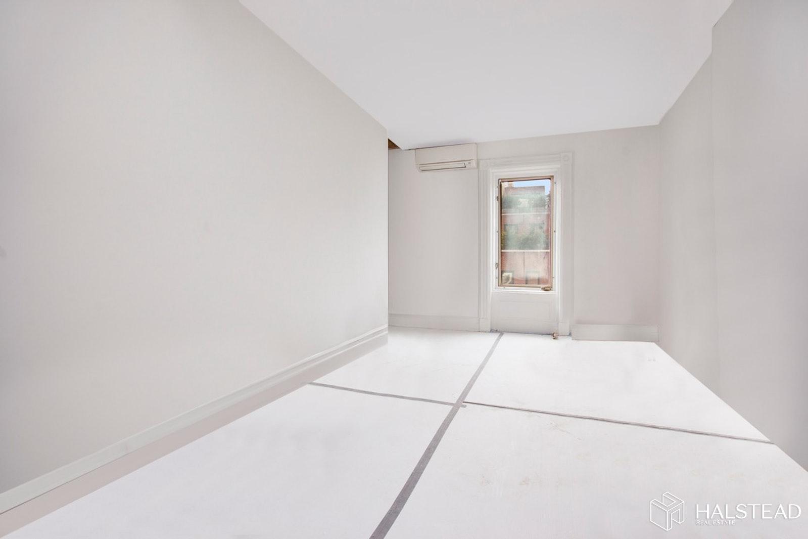136 WEST 78TH STREET 4, Upper West Side, $795,000, Web #: 20039514