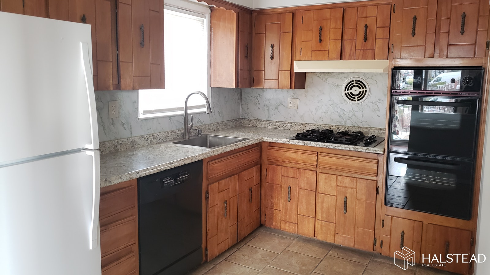46 -01 76TH ST, Queens (Other), $2,600, Web #: 20053988