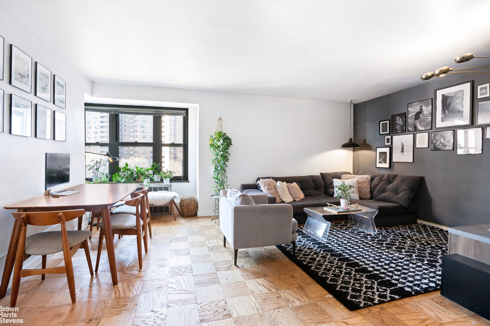 387 Grand Street Interior Photo