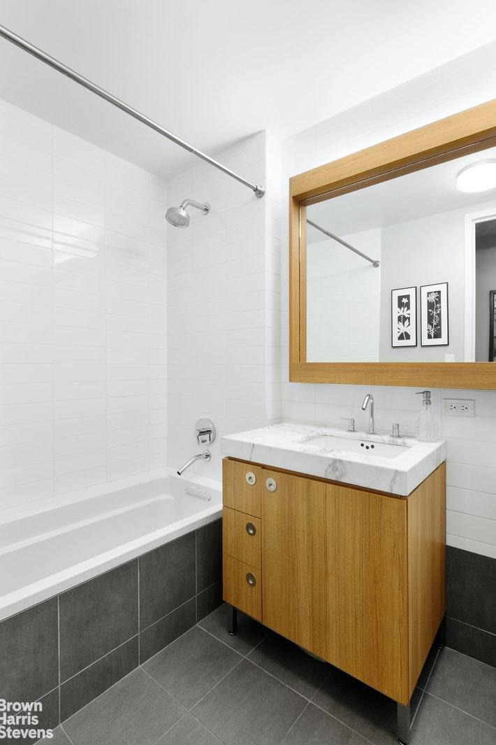 57 READE STREET 7F, Tribeca, $2,650,000, Web #: 20059860