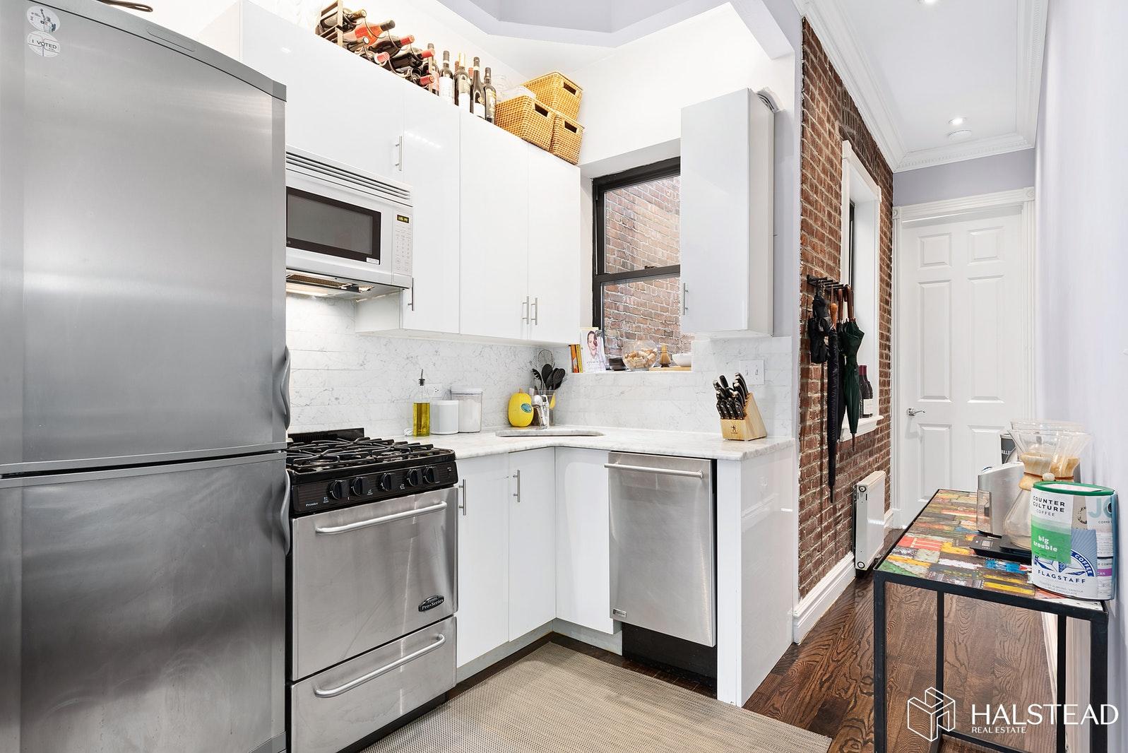 283 WEST 11TH STREET 5E, West Village, $5,525, Web #: 20061018