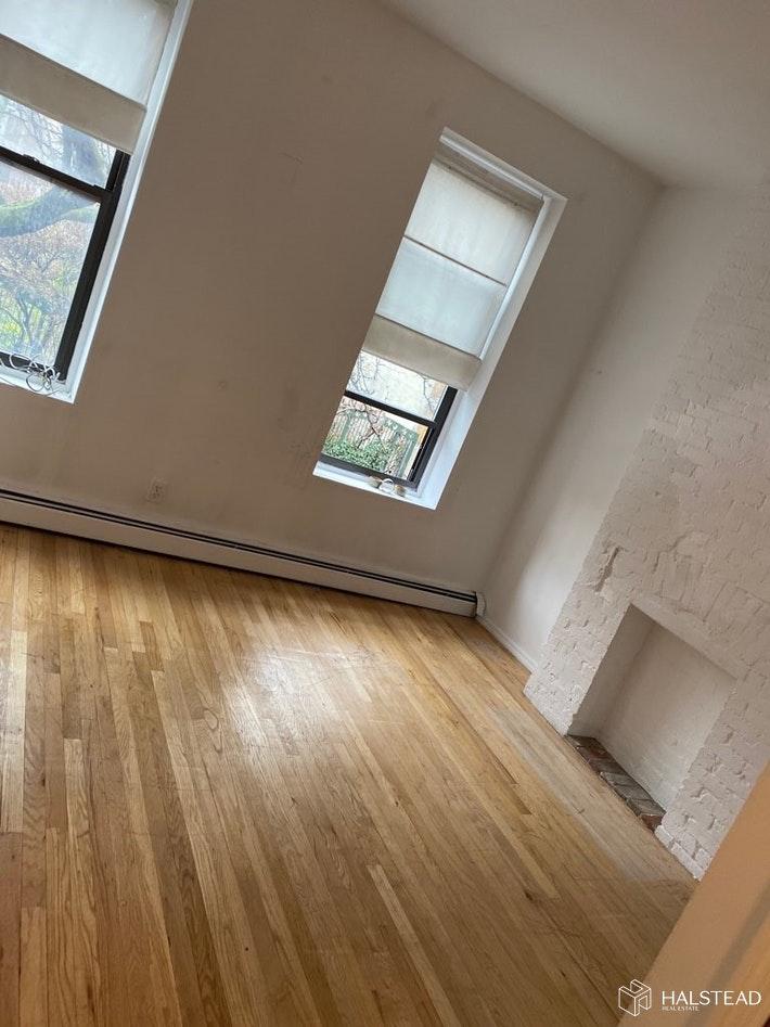 543 1/2 EAST 6TH STREET 2A, East Village, $2,395, Web #: 20093473