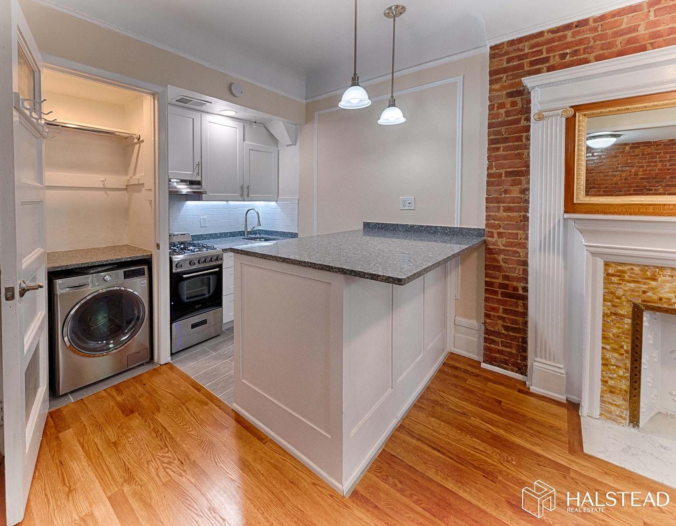 345 WEST 84TH STREET 8, Upper West Side, $2,450, Web #: 20118179