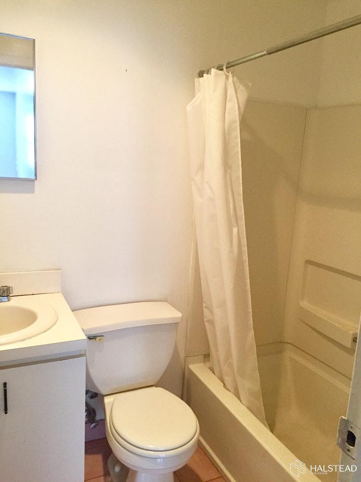 402 7TH AVE 3A, Park Slope, $1,600, Web #: 20125804