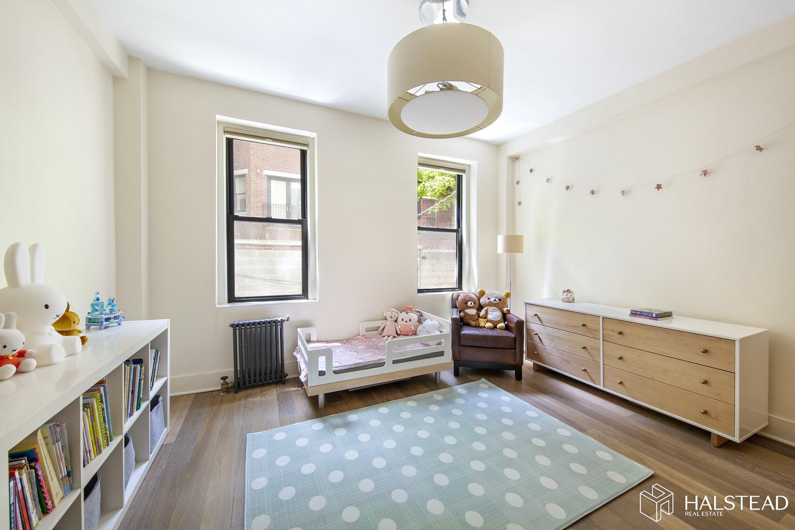 320 WEST 89TH STREET 1C, Upper West Side, $1,095,000, Web #: 20145702