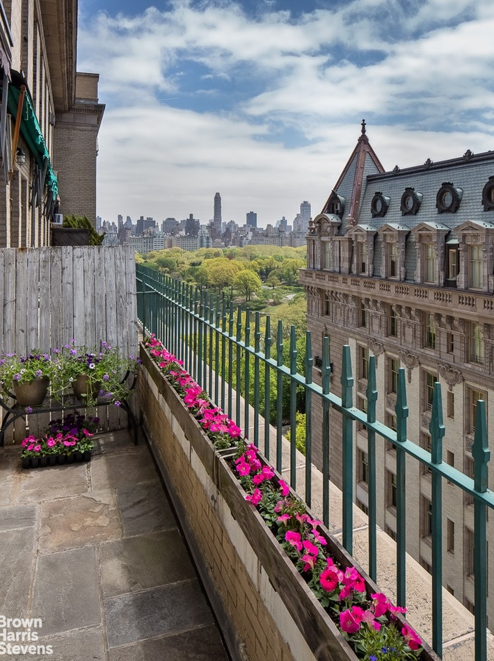 145 CENTRAL PARK WEST 14A, Upper West Side, $5,999,000, Web #: 20147308