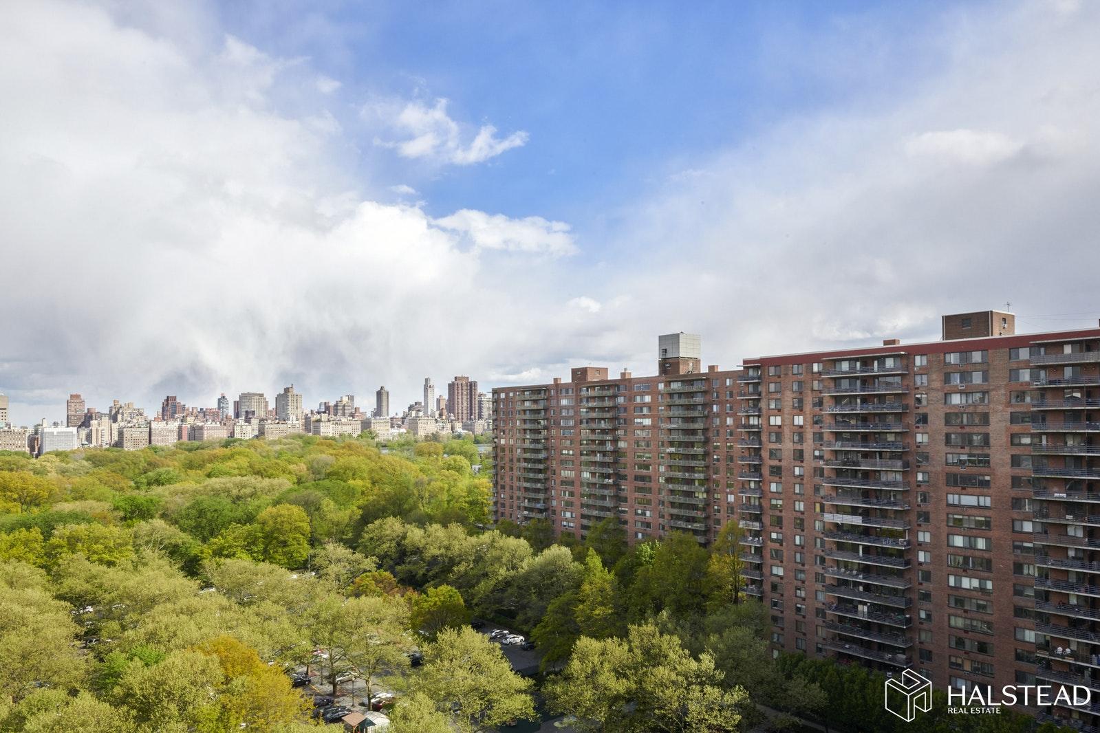 392 CENTRAL PARK WEST, Upper West Side, $999,000, Web #: 20151436