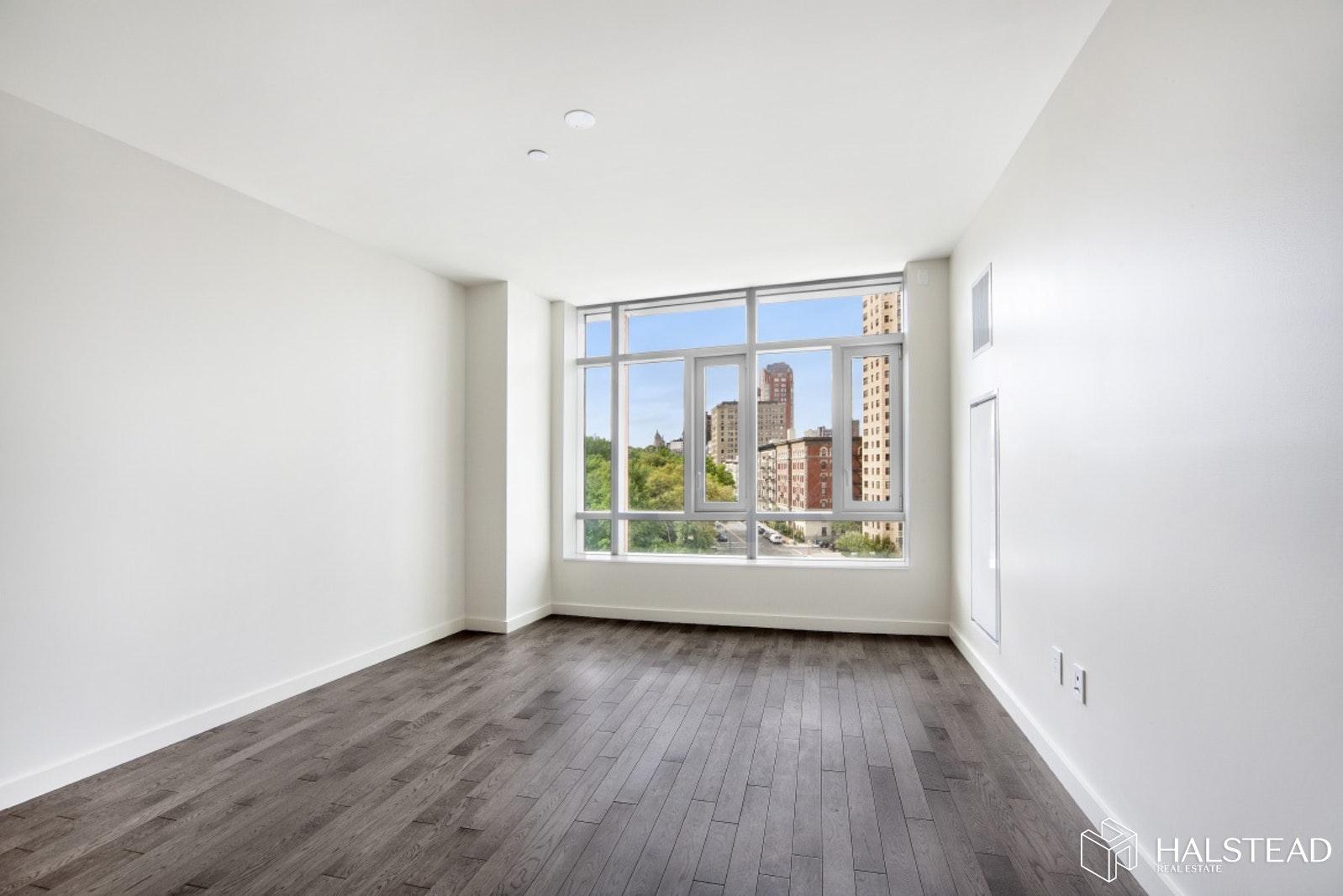 285 WEST 110TH STREET 7A, Harlem, $7,800, Web #: 20160681