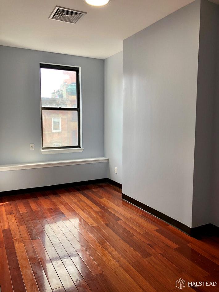 43 CANAL STREET TOP FLOOR, Lower East Side, $2,900, Web #: 20168260