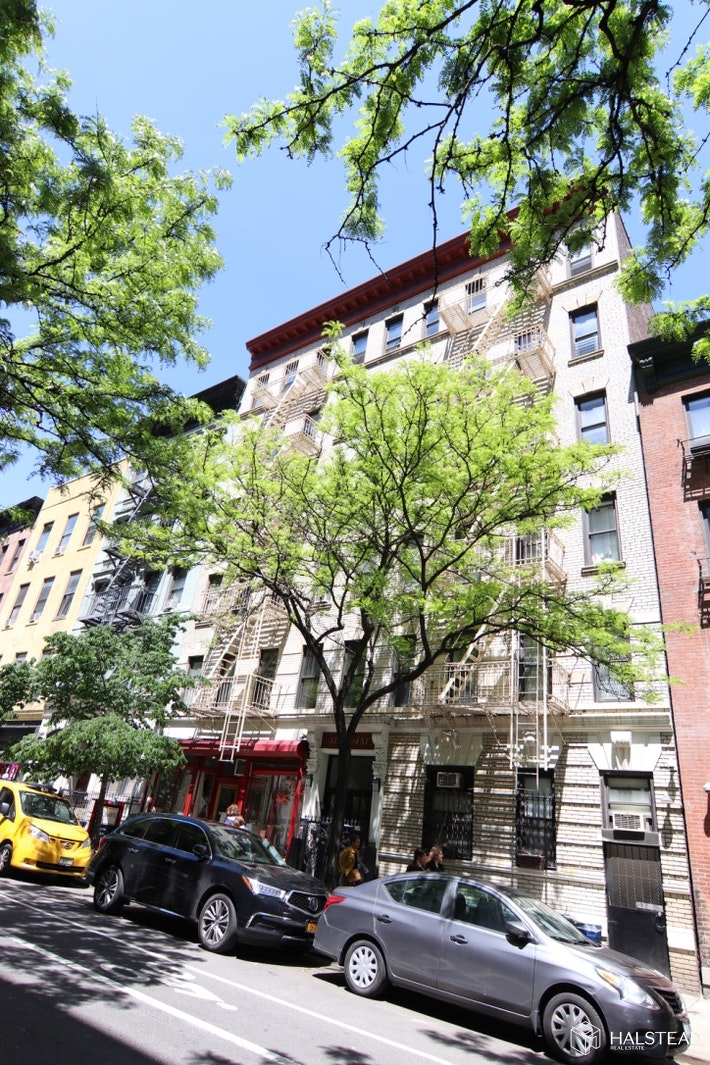 411 WEST 44TH STREET, Midtown West, $2,400, Web #: 20188595