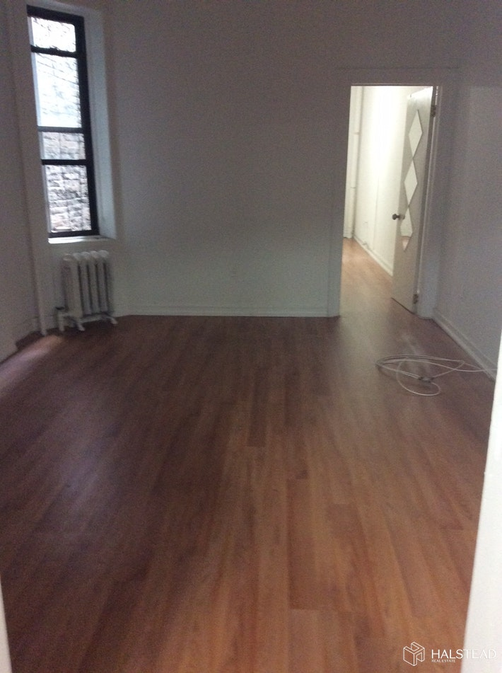 108 WEST 17TH STREET 7, Chelsea, $3,500, Web #: 20191302