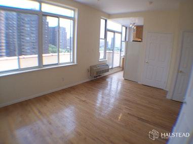 35 ESSEX STREET PHD, Lower East Side, $2,300, Web #: 20212910