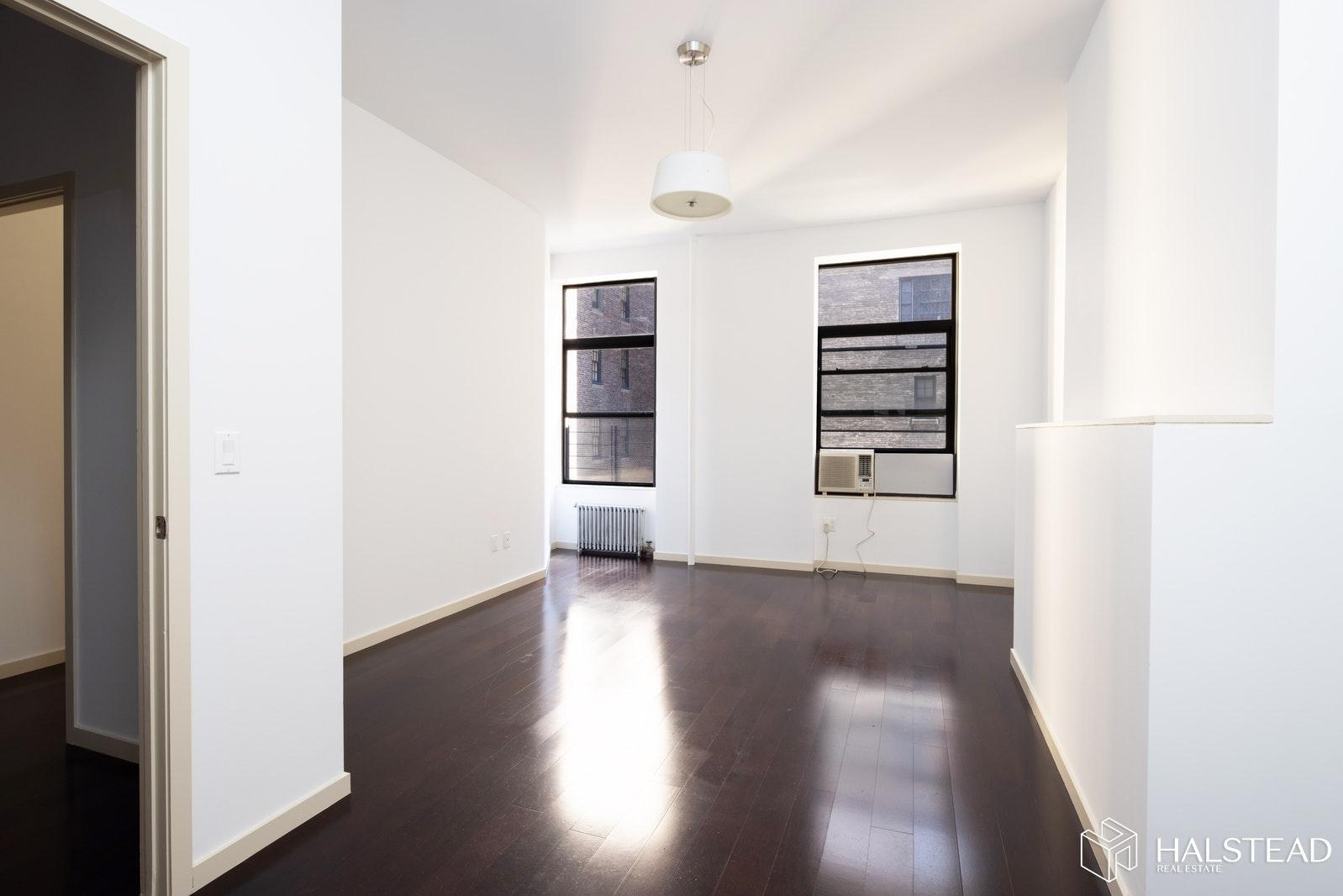 45 UNIVERSITY PLACE 4, Greenwich Village, $6,650, Web #: 20213416