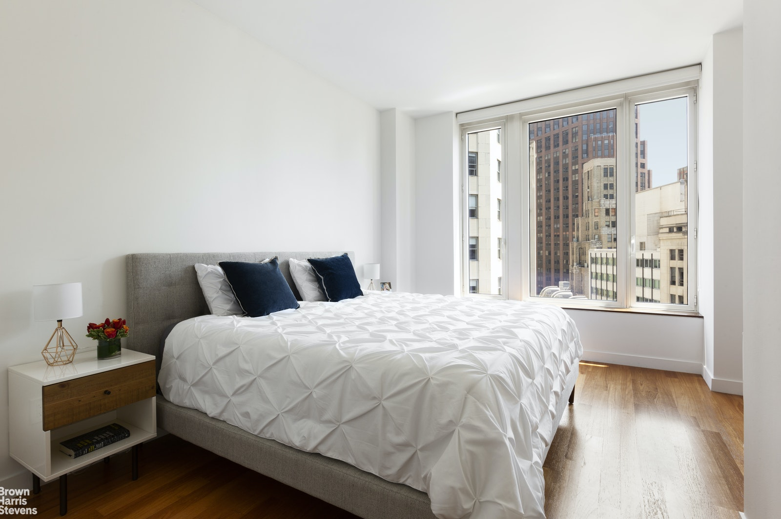 15 WILLIAM STREET 26E, Financial District, $1,600,000, Web #: 20220817