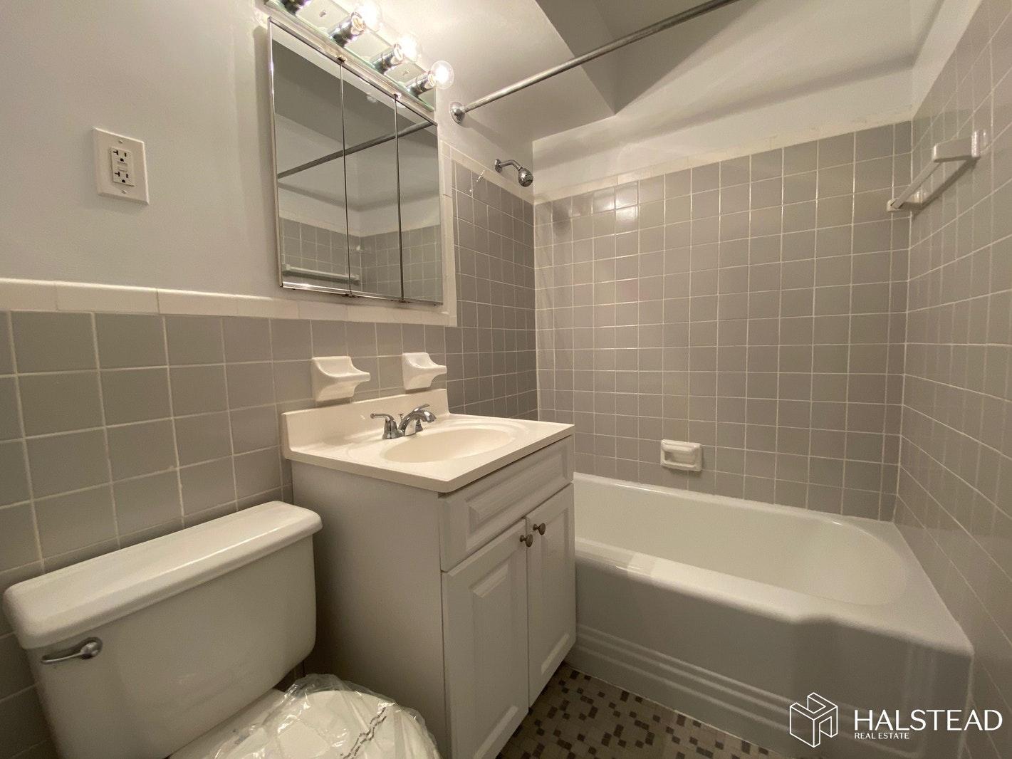 201 EAST 19TH STREET 12B, Gramercy Park, $3,493, Web #: 20221314