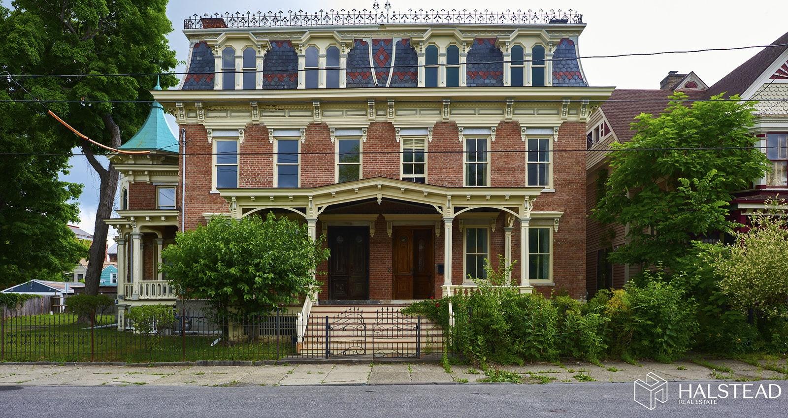 320 ALLEN STREET, Hudson, $825,000, Web #: 20224755