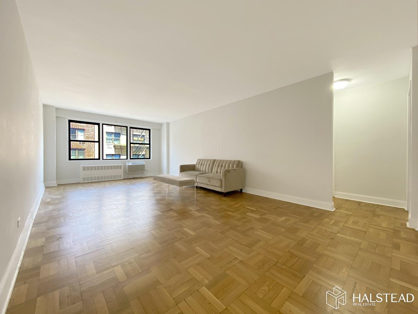200 EAST 15TH STREET 5M, Gramercy Park, $3,900, Web #: 20227435