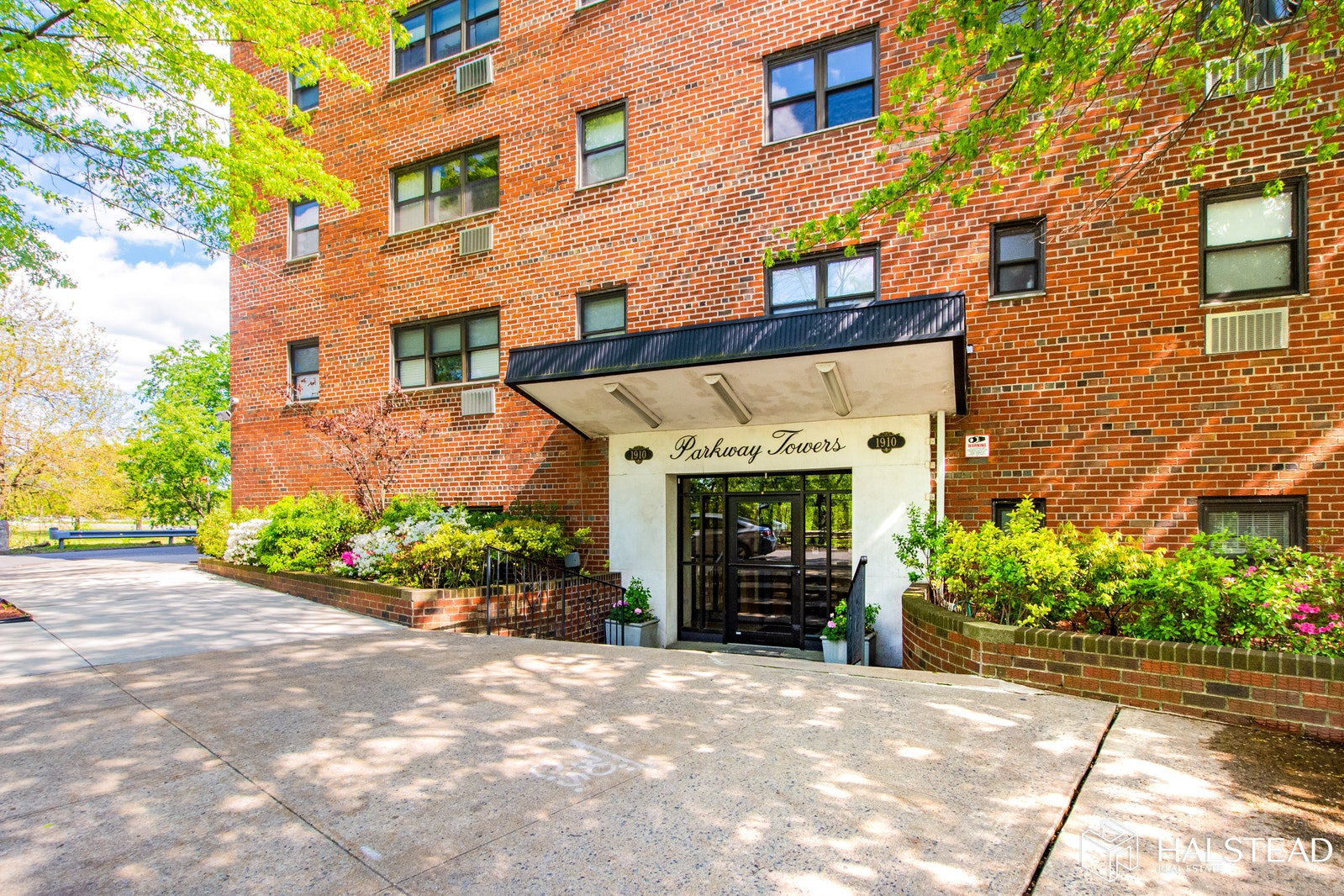 1910 PELHAM PARKWAY SOUTH 1C, Pelham Bay, $250,000, Web #: 20232131