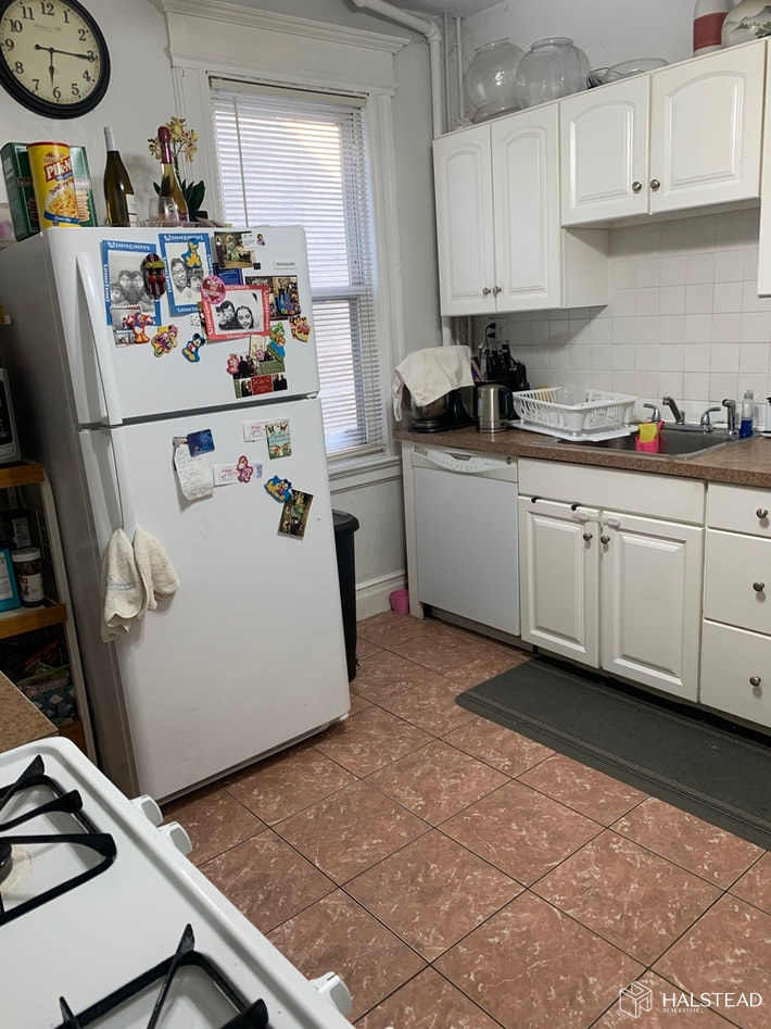 277 FRANKLIN ST 1, Bloomfield, $1,650, Web #: 20237181
