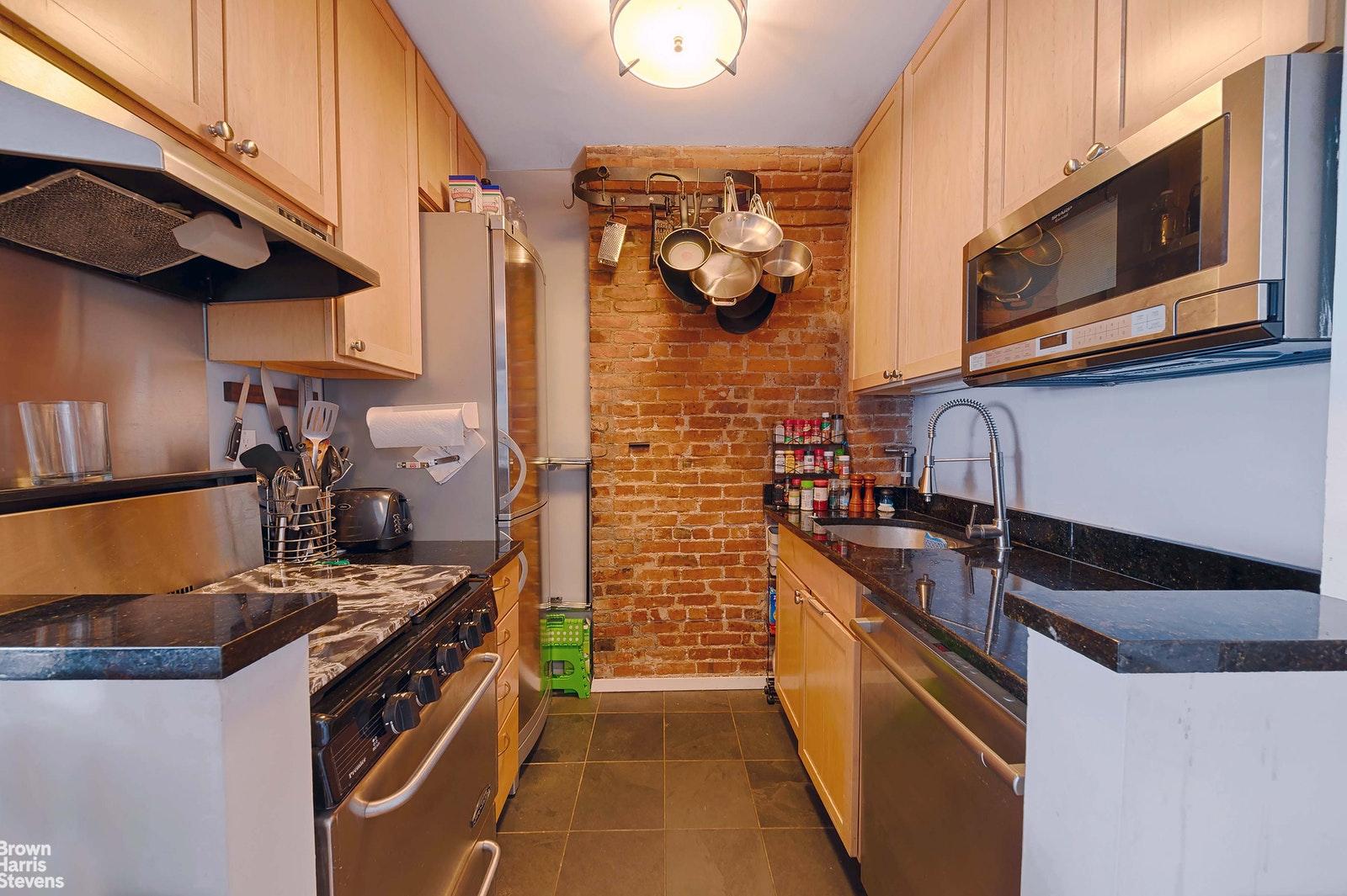 533 EAST 13TH STREET, East Village, $3,200, Web #: 20286410