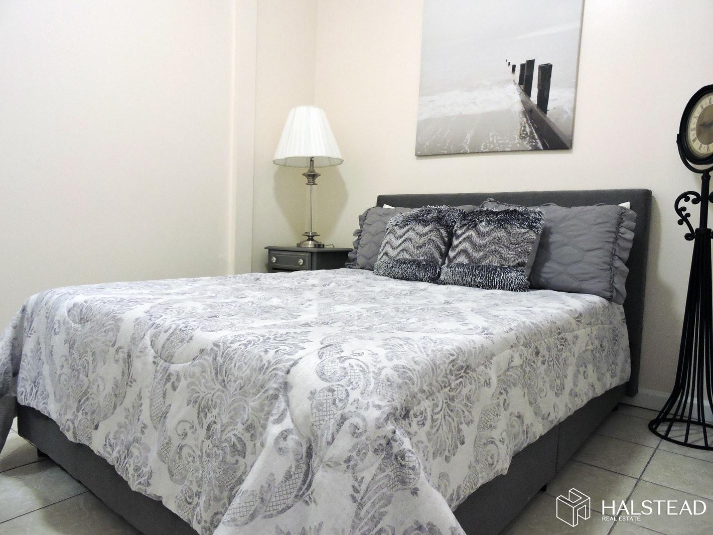 66 ZABRISKIE STREET 2, Jersey City, Heights, $1,800, Web #: 20298465