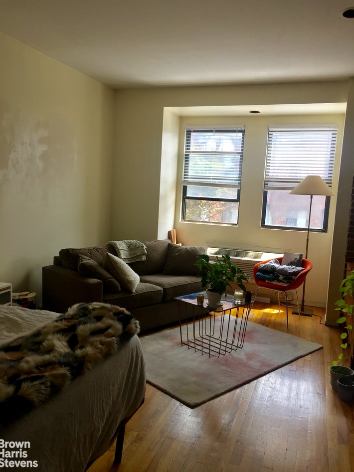 402 7TH AVENUE 2C, Park Slope, $1,725, Web #: 20366798