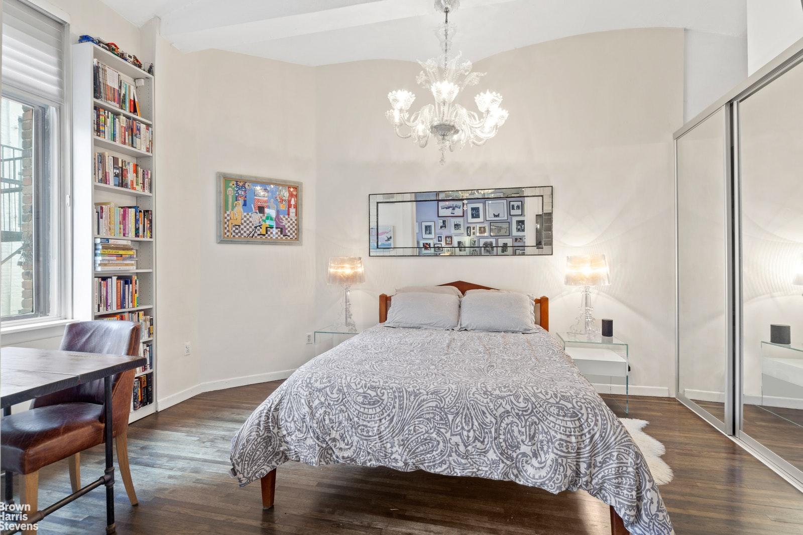 39 EAST 12TH STREET 611, Greenwich Village, $1,235,000, Web #: 20383685