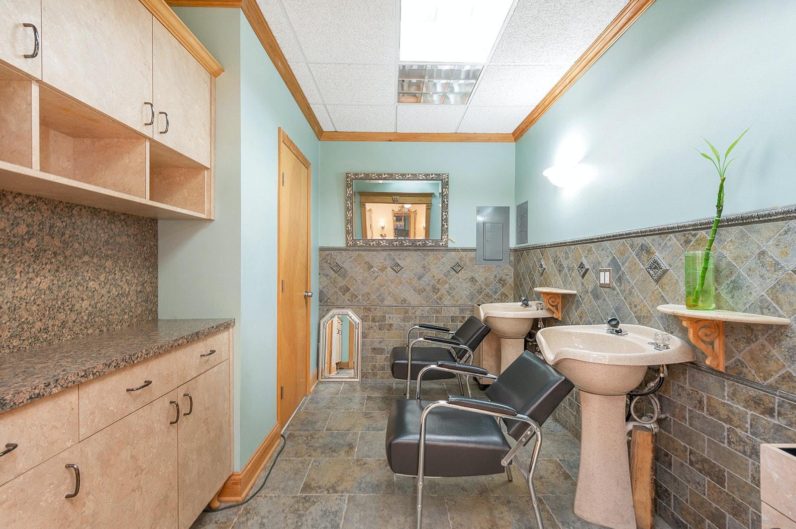 466 POMPTON AVENUE, Cedar Grove, $345,000, Web #: 20413623