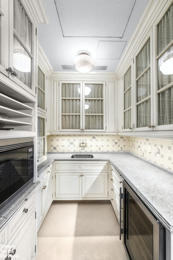 10 GRACIE SQUARE 9/10F, Upper East Side, $7,795,000, Web #: 20423117