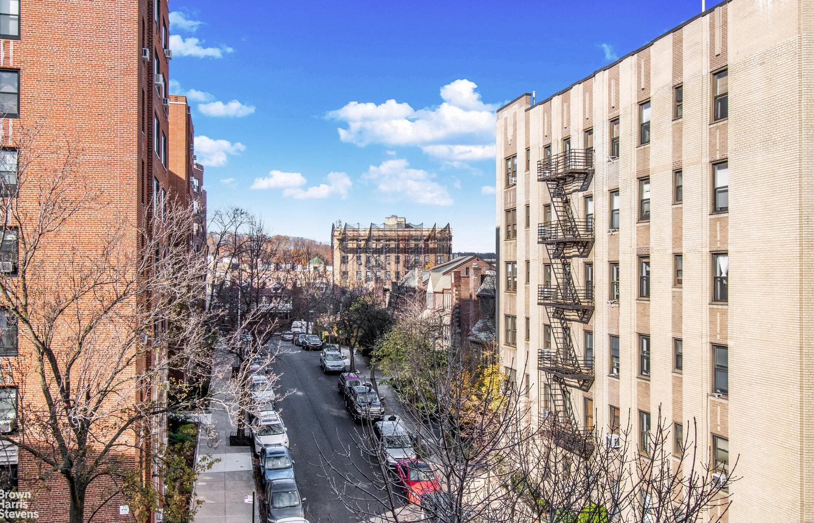 Apartment for sale at 90 Park Terrace East, Apt 5D