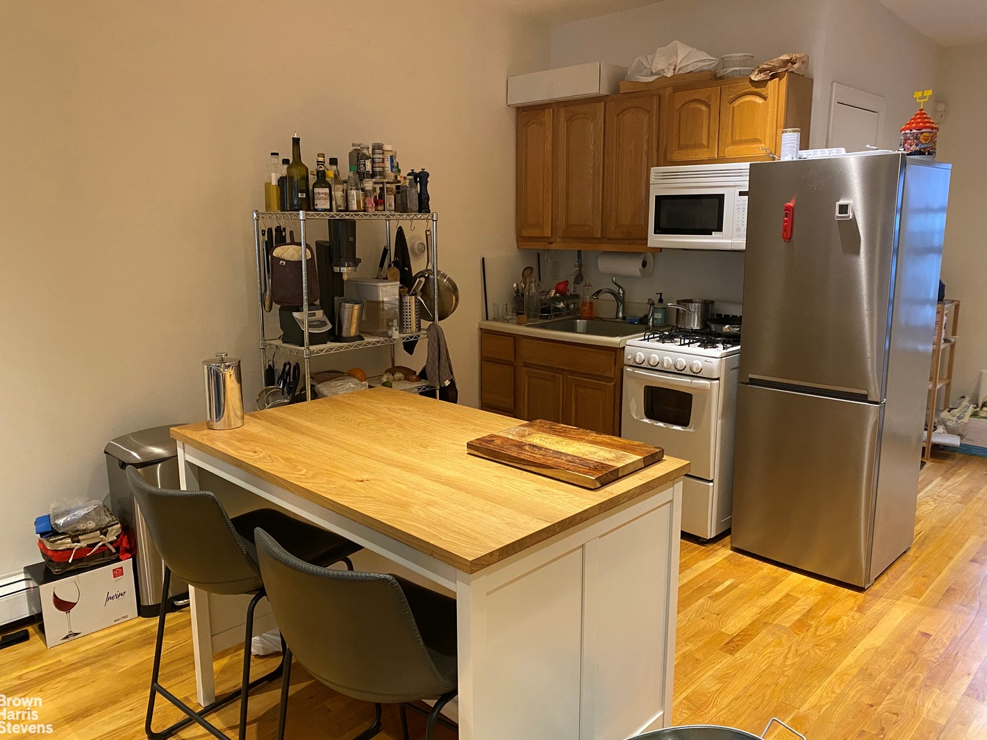 805 SIXTH AVENUE 4, Midtown West, $3,000, Web #: 20432385
