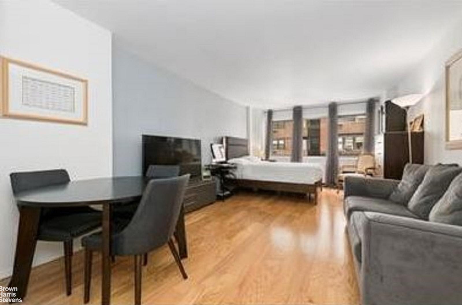 211 EAST 53RD STREET 7B, Midtown East, $2,475, Web #: 20466458