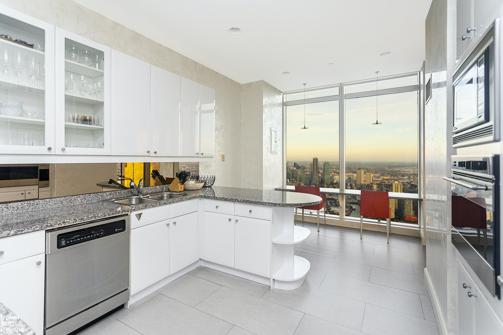 845 UNITED NATIONS PLAZA 80B, Midtown East, $19,500, Web #: 20484124