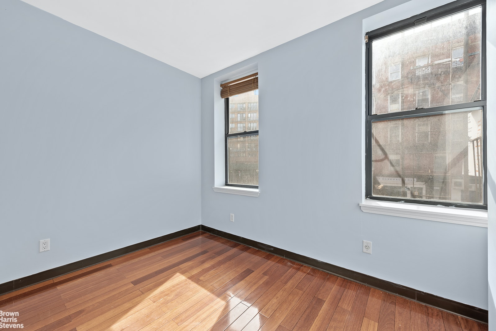 43 CANAL STREET 2ND, Lower East Side, $3,200, Web #: 20484846